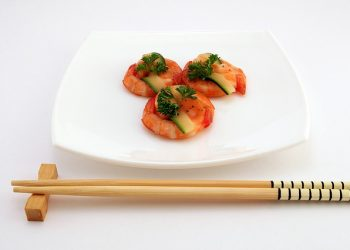 tenir baguette chinoise